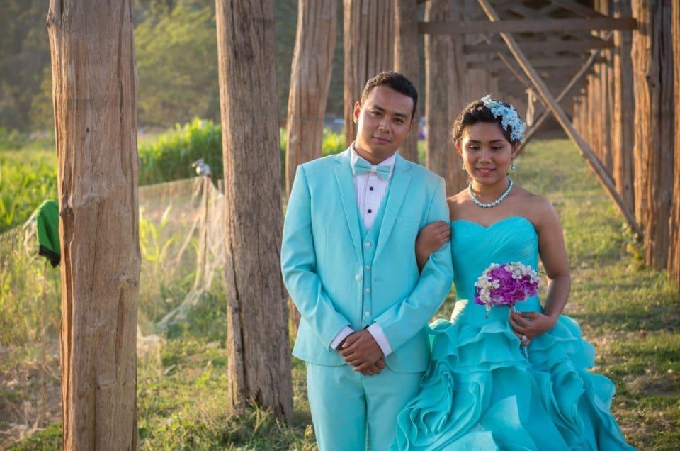 Les mariés du pont U-Bein.