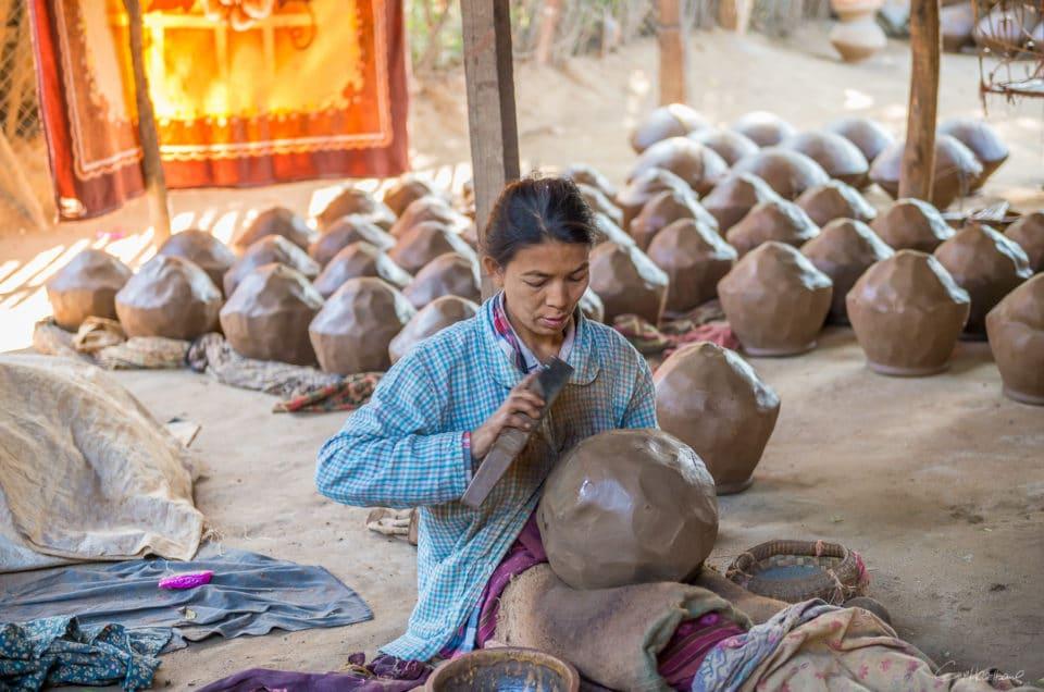 La potière de Sagaing.