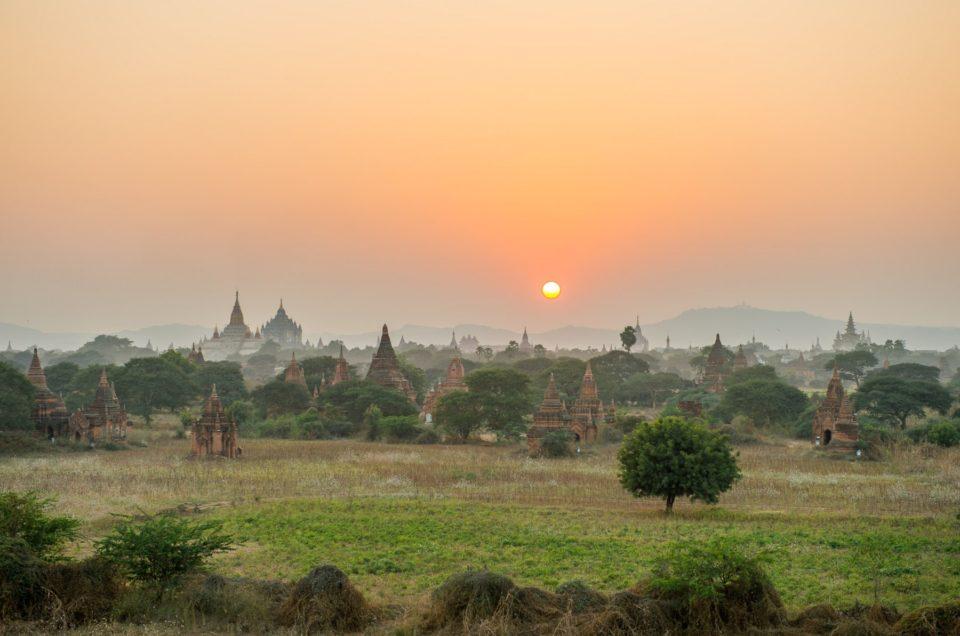 Bagan se couche.