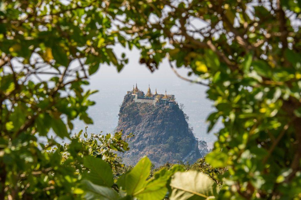 Le monastère du mont Popa.