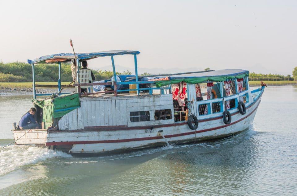 Sur la rivière Kaladan vers Mrauk-U*.