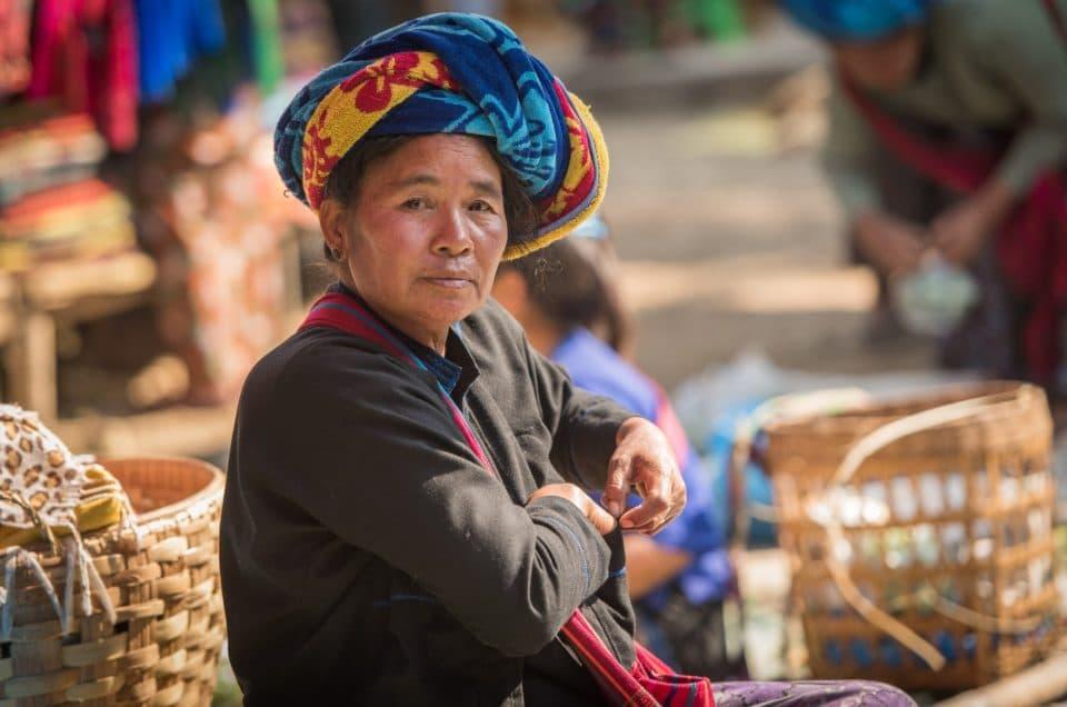 Visages du marché Maing Thauk (Inle lake).
