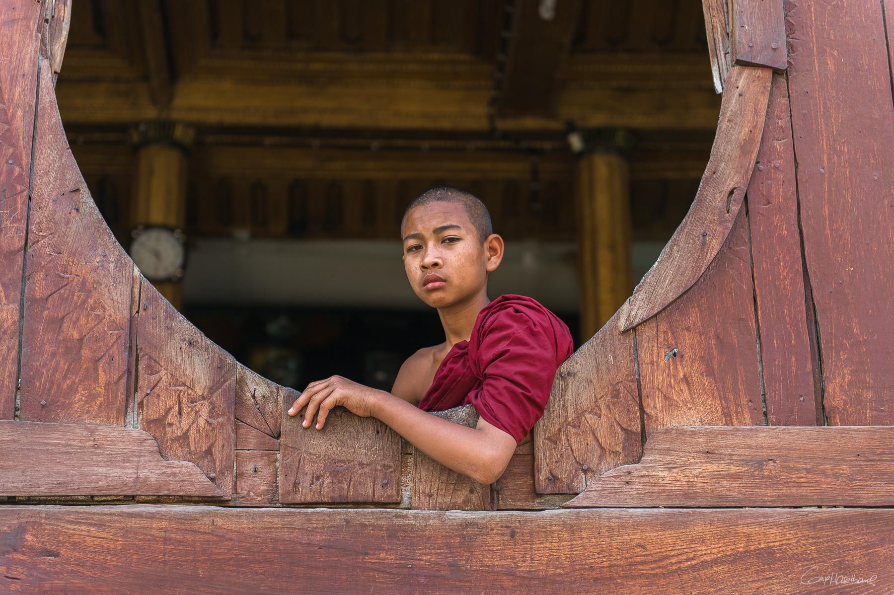 Moine de Shwe Yan Pyay monastery  (région lac ile) - Birmanie.