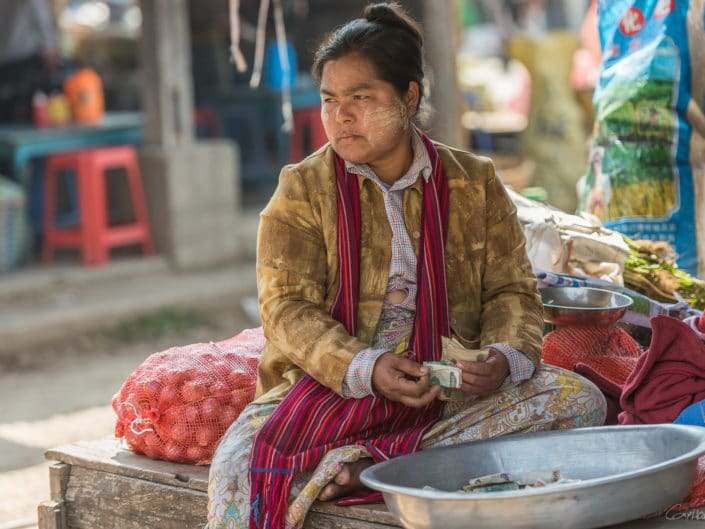 Faces of the Nampan market (Inle).